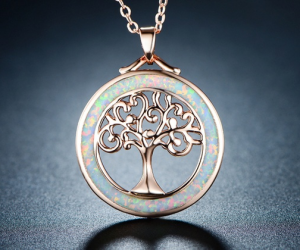 $11.99 (was $41.99) Tree Of Life Necklace