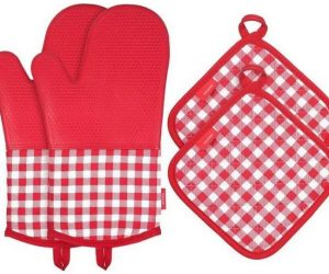 4pc. Silicone Oven Mitts + Pot Holders Set–Red Plaid: $7.99 After Code (was $29.99)