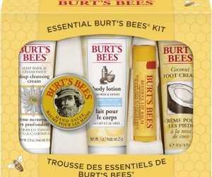 Burt's Bees Essential Everyday Beauty Gift Set: $5.46 (was$9.99)